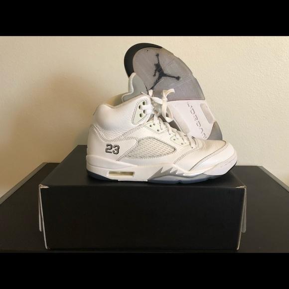 6183f749465 Air Jordan Retro 5 Metallic White (2015 Release). Jordan.  M_5b6118535fef377db392617b. M_5b61185581bbc85eb7ba1f2a.  M_5b6118578158b5676ef0822f